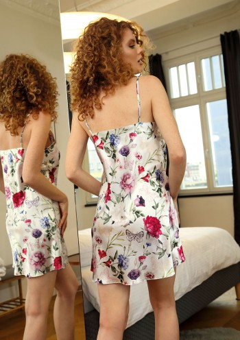 Petticoat Flowers DK - HK 12