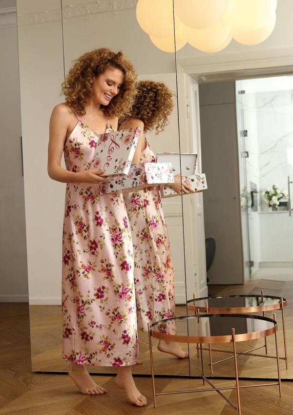 Petticoat Flowers DK - HI